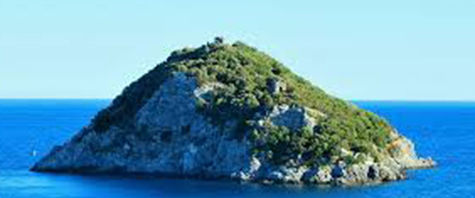 2018 05 13 - Wilderness IT - L'Isola di Bergeggi svenduta al turismo - Isola di Bergeggi